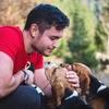Ronny: Adiestrador, educador y cuidador de perros.