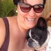 Maria Consuelo: Cuidadora de perritos