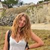 Lucille: Grande promenade et câlins pour vos toutous :)