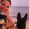 Eva: Aux Veterinaria se ofrece para pasear perros