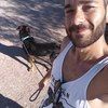 Marcos: Cuidador/paseador de perros.