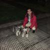 Alejandro : Amante de los perros