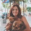 Violeta: ¡Deja que tu perrito disfrute con nosotros!