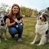 Julie: Tierliebe Studentin als Hundesitterin