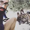 Pierre Alexandre: Promenades et câlins pour nos chiens d'amour