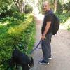 Toni: Paseador y cuidador de mascotas. Amante de los animales, naturaleza y del ejercicio.