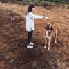 Luisa: Paseos, educación, adiestramiento y modificación de conductas caninas.