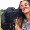 INÉS : Amante de los animales, cuidadora en Madrid centro.