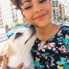 Andrea: Canguro de Mascotas con Amplia Terraza
