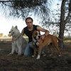 Hugo: Paseador canino, cuidador de mascotas.