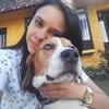 Monica: Liebevolle Hundersitterrin