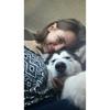 Esther: Paseo perros y juego con ellos.