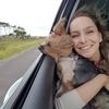 Gabriela: Dog Walker 💛