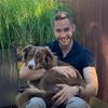 Lukas: Fürsorglicher und begeisterter Hundesitter in Hamburg
